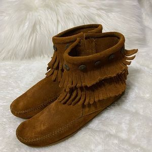 Minnetonka Brown Leather Suede Boots Size 6 1/2 7